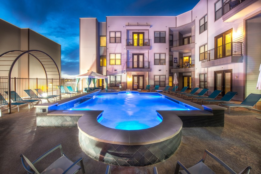 The Loftvue student housing apartments in Fort Worth, Texas, provide great space for Texas Christian University students to socialize. [photo:Fountain Residential Partners]